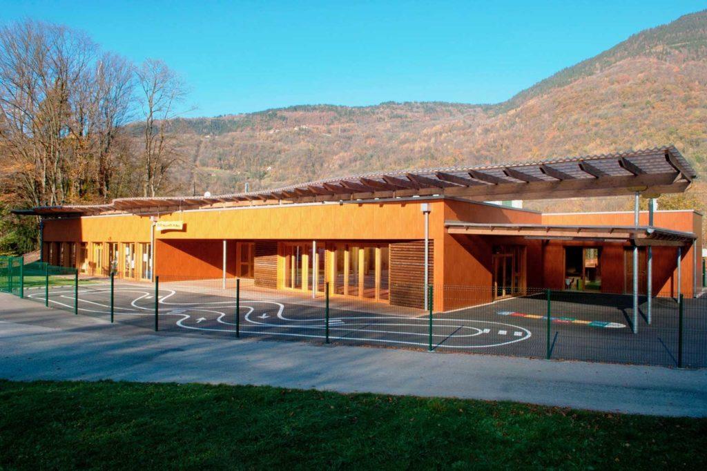 Ecole maternelle d'Aiguebelle - cour de récréation