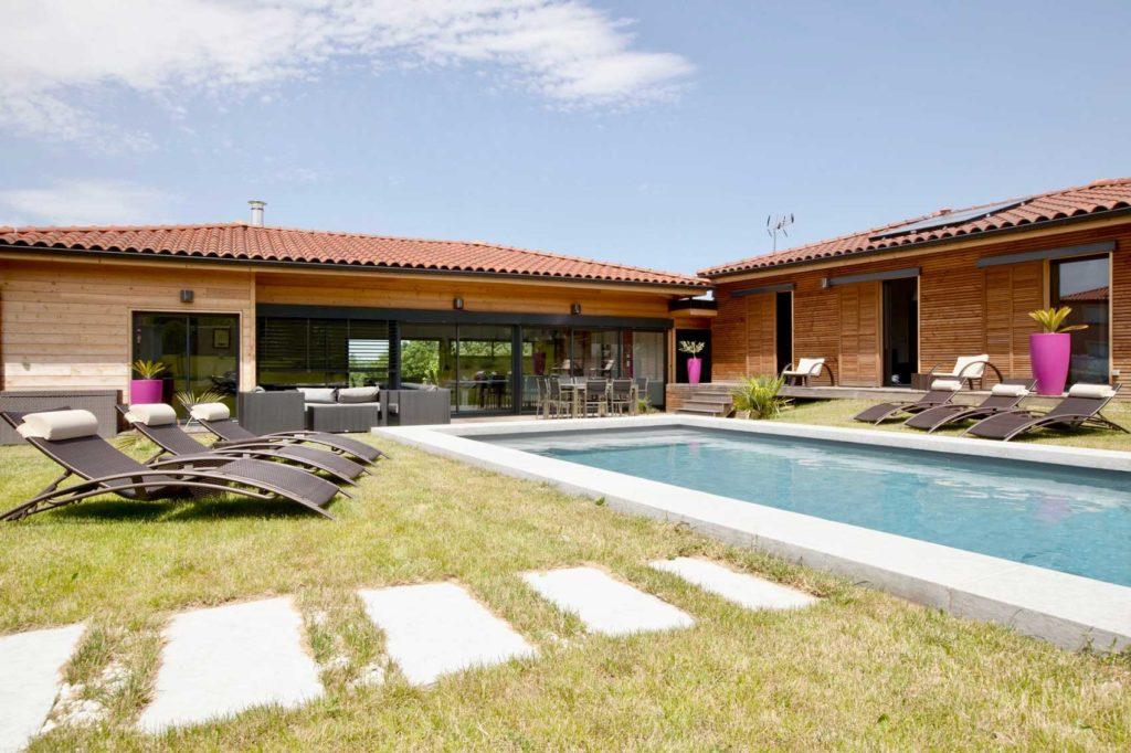Maison Bois Lissieu - terrasse piscine