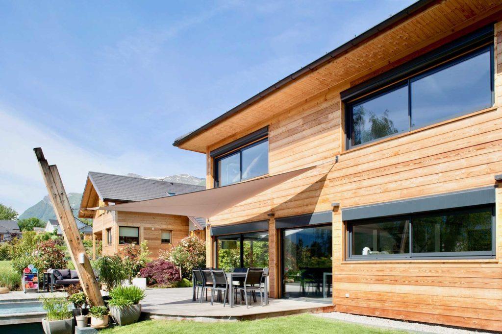 Maison Bois Verrens Arvey Savoie - salon de jardin