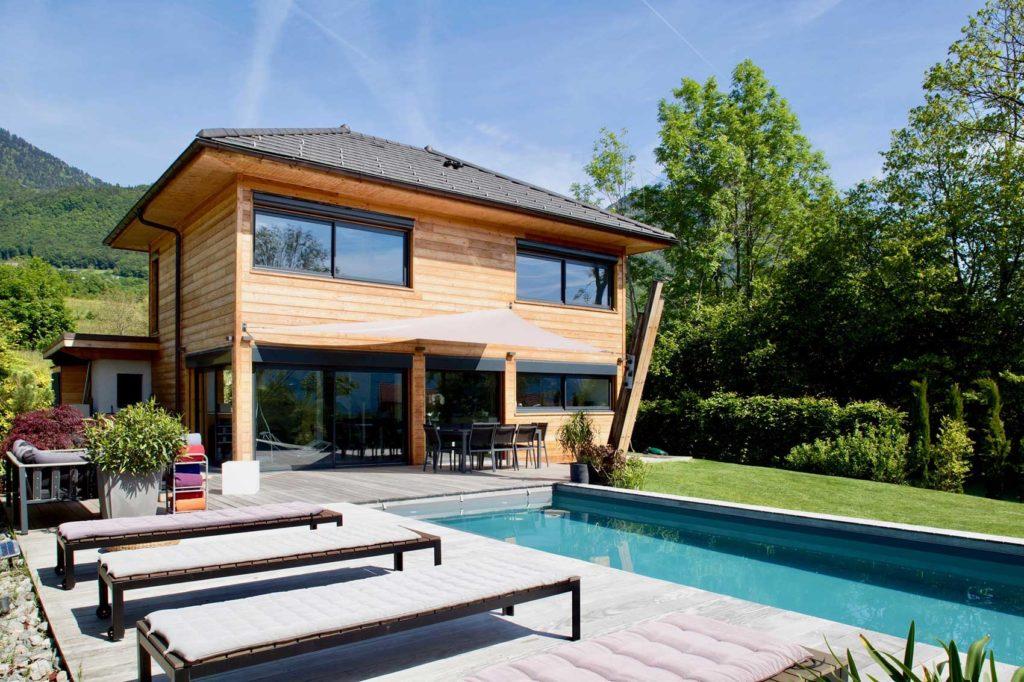 Maison Bois Verrens Arvey Savoie - terrasse piscine