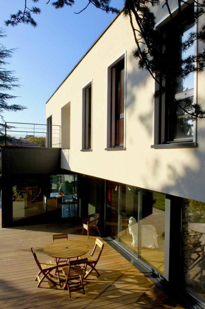 Maison bois Ecully - terrasse et balcon