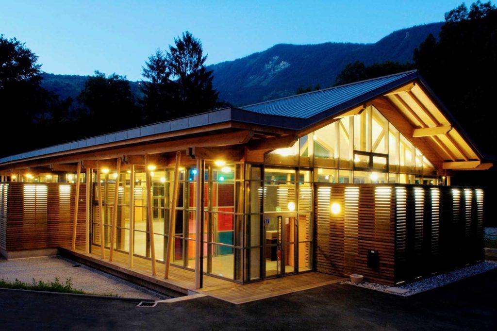Salle polyvalente à Aigueblanche -