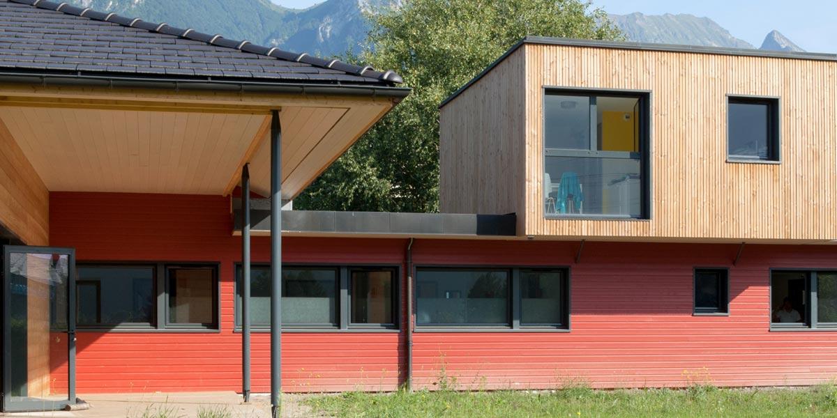 Les bâtiments bois sont aussi des établissements de santé ! Découvrez tous les avantage de l'ossature bois et les bienfaits du bois sur la santé.